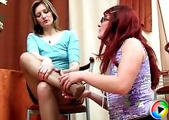 Gwendolen&Isabela nylon footfuck video